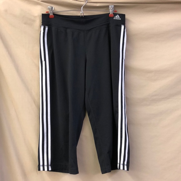 adidas Pants - Adidas athletic capris